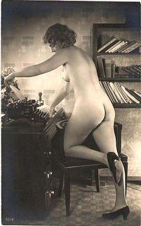 Typewriter-nude-1920s